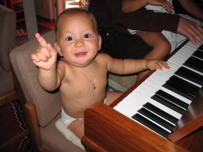 Amadeus playing piano
